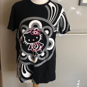 Mac cosmetics hello kitty Collab T-shirt sixe 5/XL